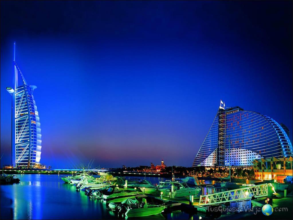 vista nocturna de Burj Al Arab en dubai