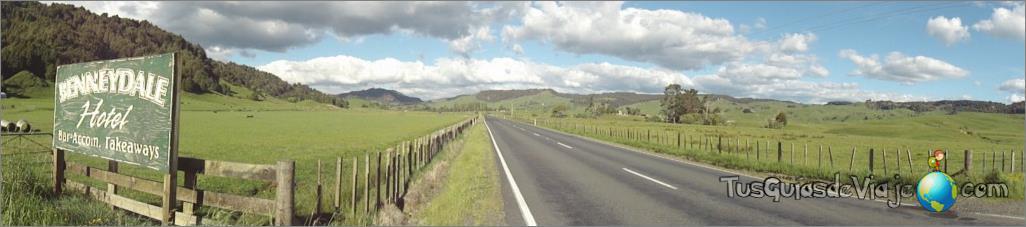carretera de auckland a waitomo en nueva zelanda