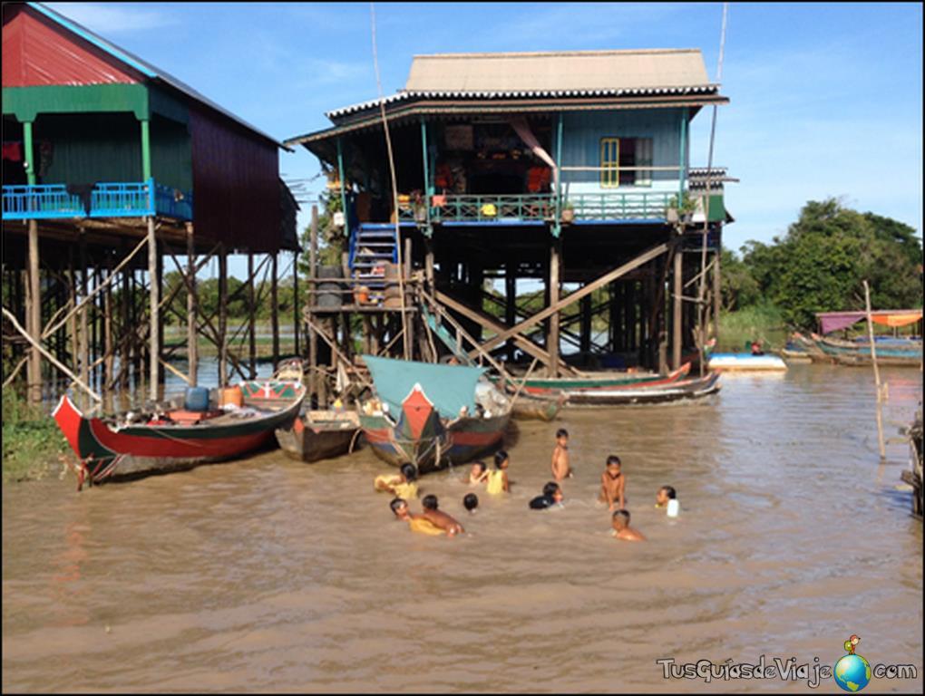 Niños jugando en Camboya